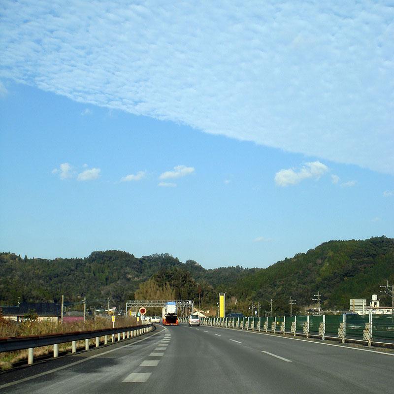 鹿児島-溝辺空港 高速道路にて