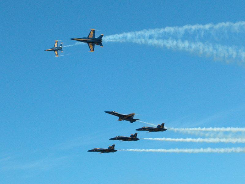カネオヘ ブルーエンジェルスの航空ショウ 1 2004年10月8日